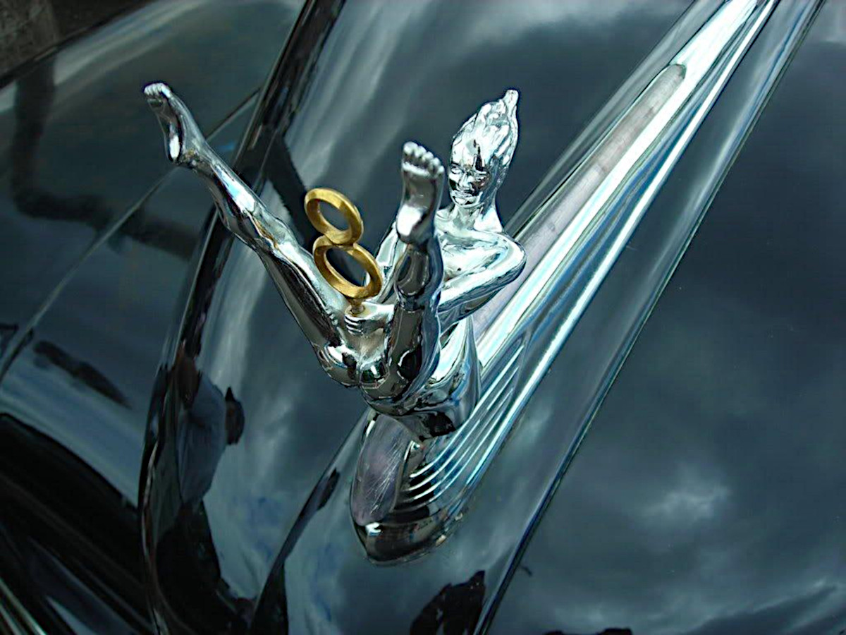 Маскот «Ford V8»