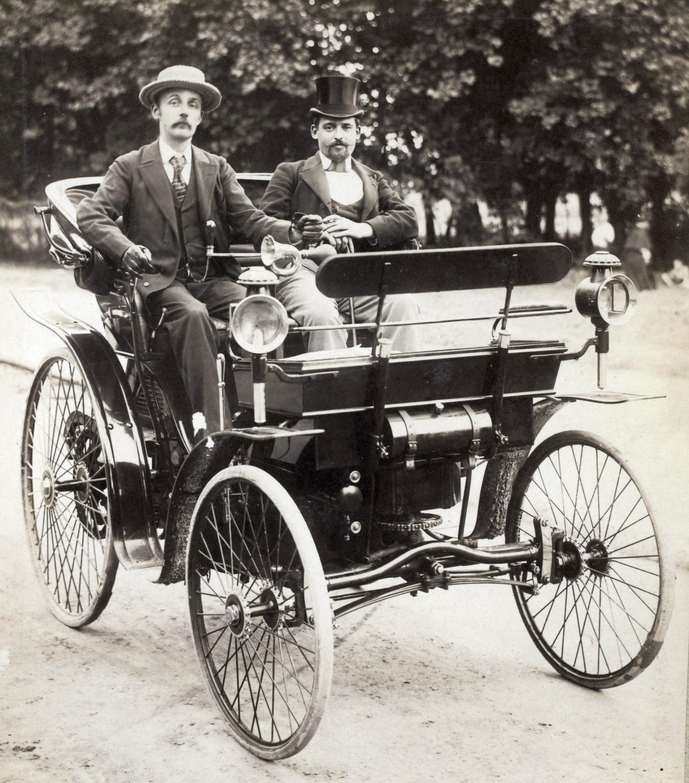 Один из первых автомобилей «Пежо» Peugeot Type 3