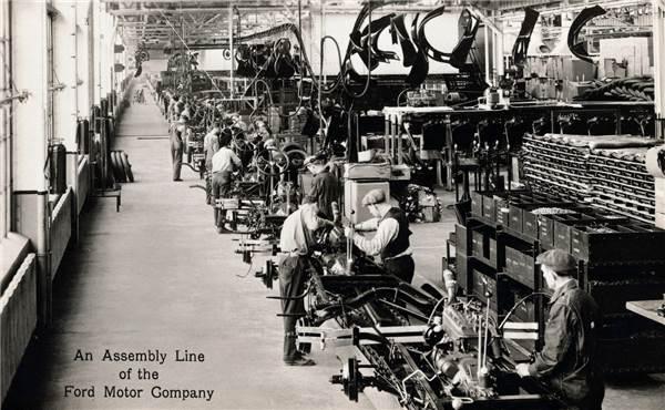 Конвейер на заводе Форда. Старая фотография