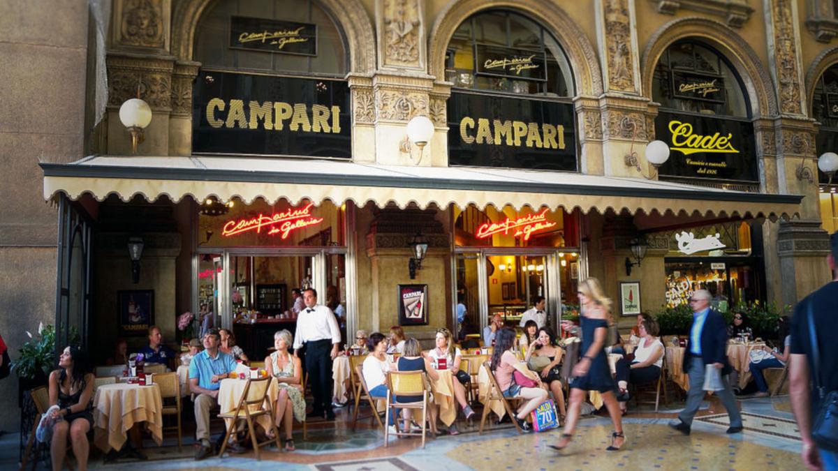 Бар «Кампарино» в галерее Виктора Эммануила II в Милане